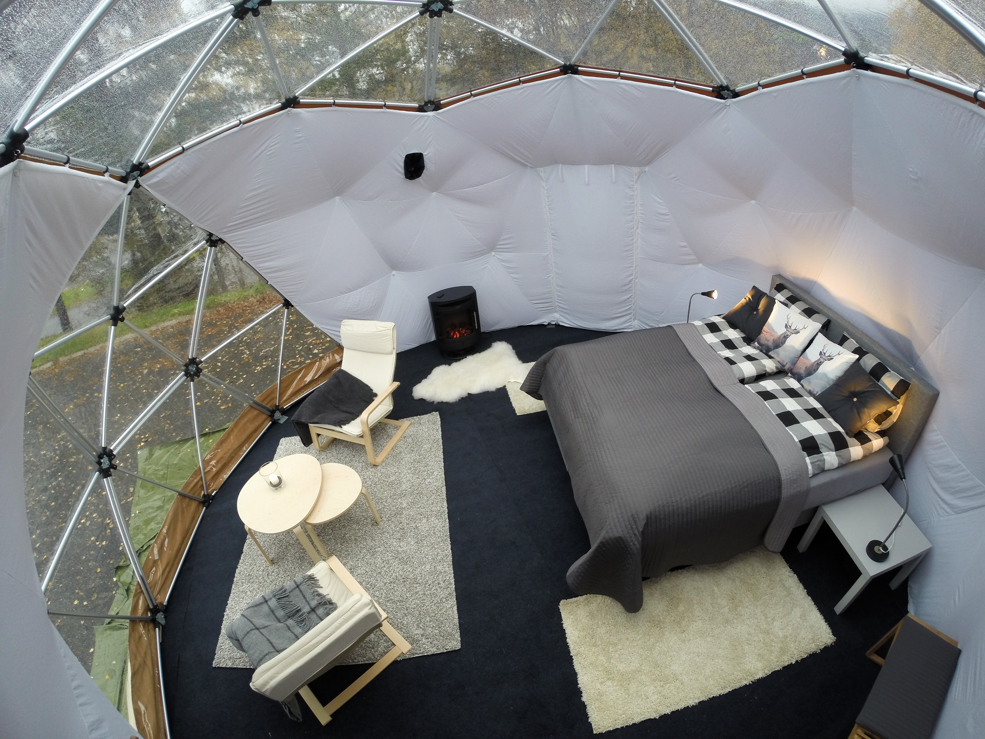 Arctic Dome interieur glamping
